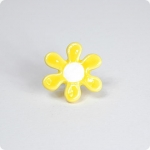 60's Flower Knob-Lt. Yellow/White
